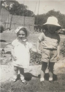 1954Peter&CathyFarm